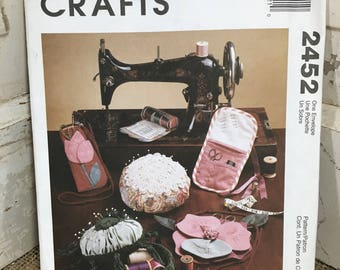 McCalls crafts sewing pattern, McCalls 2452, make your own oraganizer, McCalls pattern, 1999 sewing and crafts pattern, sew you own bag