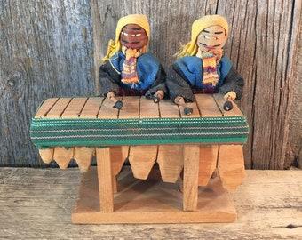 Vintage ethnic dolls, Hecho en Guatemala Loom dolls, vintage loom dolls, vintage Guatemalan dolls, kitschy dolls, vintage doll collector