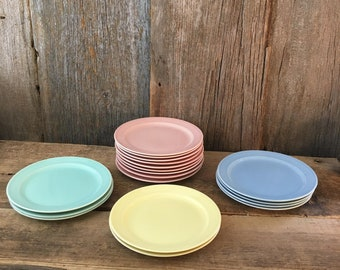 Lu Ray pastels bread and butter plates, TS&T LuRay pastels, 1943 Lu Ray pastels replacement plates, multiple colors of LuRay Pastels plates