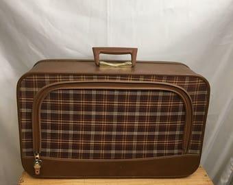 Vintage suitcase, vintage luggage, vintage train case, mid century suitcase, plaid cloth suitcase plastic inside, beautiful for decor