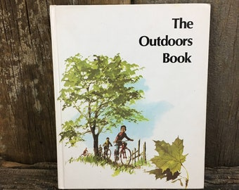 The Outdoors Book Britannica Discovery Library, 1986 vintage Children's book, The Outdoors Book, Britannica Discovery Library, learning book
