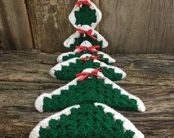 Vintage handmade crocheted granny square wall hanging Christmas Tree, vintage crocheted tree, vintage Christmas decor, crocheted wall art