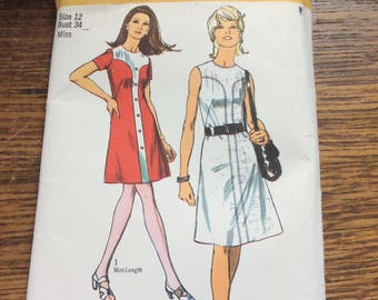 Vintage Simplicity pattern 9207 from 1970, vintage pattern, Misses dress in two lengths, great mod looking dress patterns, vintage clothes