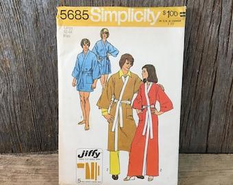 Vintage Simplicity kimono robe pattern , Simplicity 5685 sewing pattern, robe sewing pattern, simple to sew pattern,1973 robe sewing pattern
