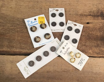 Five sets of vintage buttons never used, never used original package vintage buttons, le chic buttons, la petite buttons, le Bouton buttons