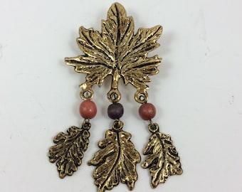 vintage costume jewelry, vintage brooch, vintage leaf pin, vintage jewelry, vintage accessories, leaf pin, leaf brooch, vintage pin, elegant