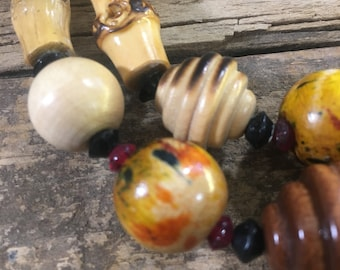 Vintage wood necklace, 1980's colorful Beaded wood and small stone necklace, beautiful retro unique wood necklace, vintage jewelry