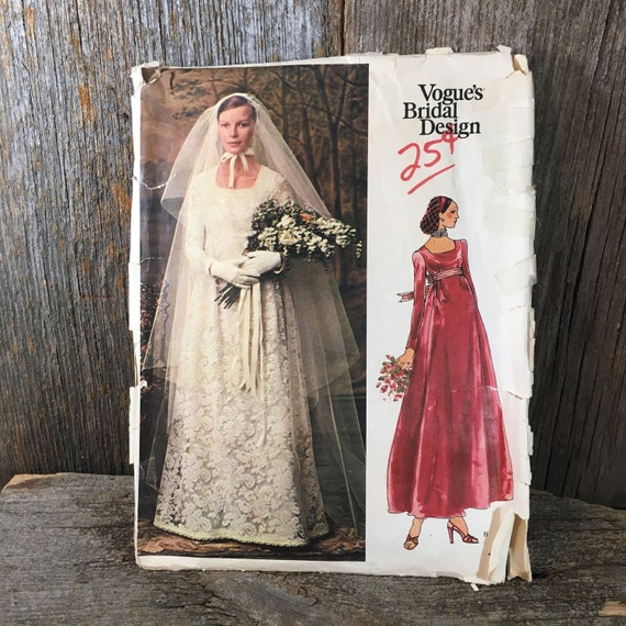 Vintage Vogue Bridal Design 1070, 1970's style wedding gown, Misses bridal dress and veil, size 14 wedding gown sewing pattern, vintage gown