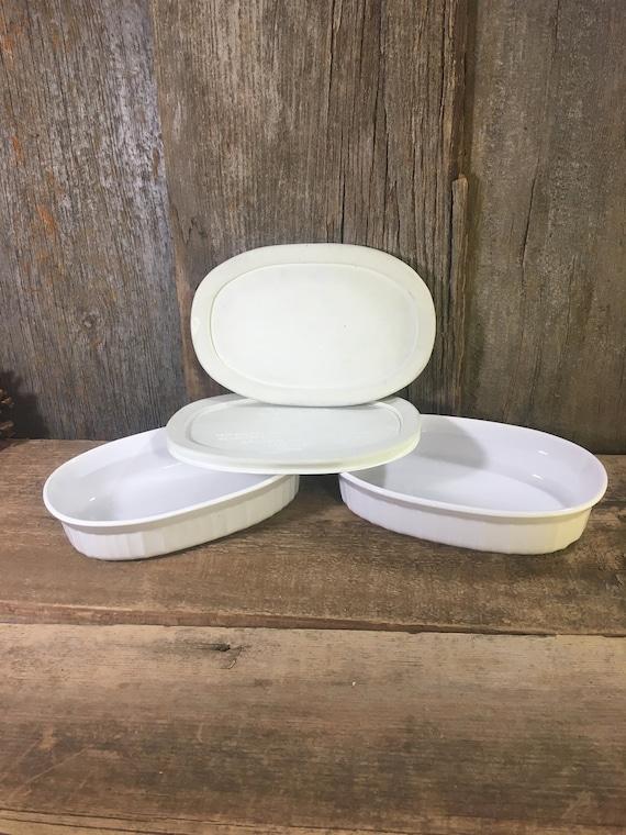Vintage pair of Corningware individual 7 1/2 casserole dishes with lids, French white Corningware, Corningware F-15-B, vintage kitchen