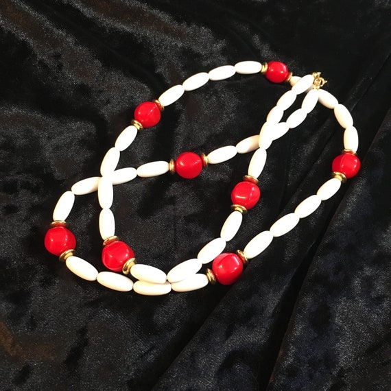 Vintage Trifari red and white necklace, 1970's Trifari necklace , red and white necklace, red and white jewelry, Trifari jewelry, holiday