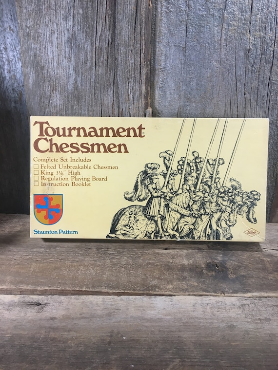 Vintage Tournament Chessman 1968 E.S. Lowe Company, New York, Vintage game, vintage Chess game, Tournament Chessman from the 60's, game gift