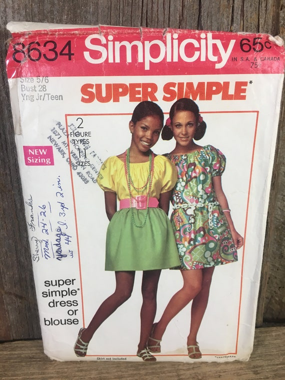 Vintage Simplicity sewing pattern for teen girls, Simplicity 8634 from 1969, 1960's young teen size 5/6,