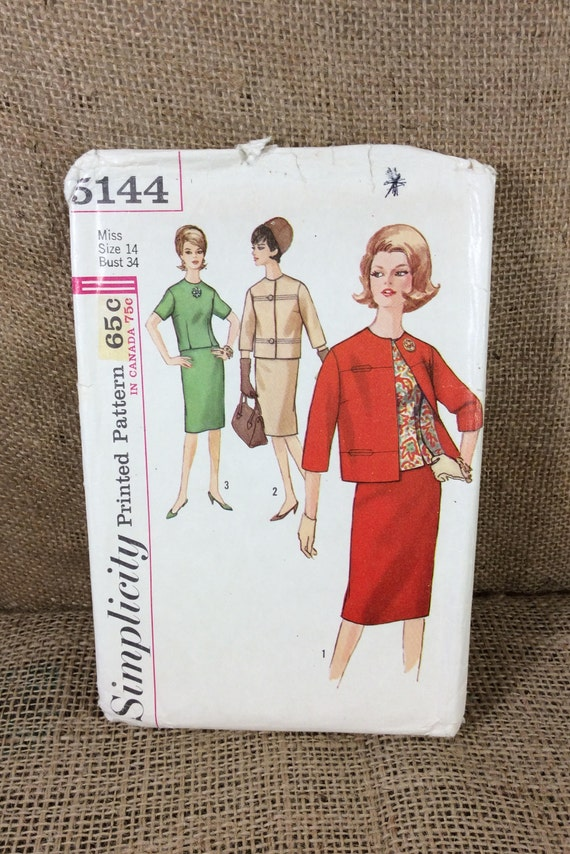 Vintage Simplicity Pattern 5144 misses suit and overblouse with jacket, 2.50 US shipping, pattern from the 1960's, sewing pattern for suit