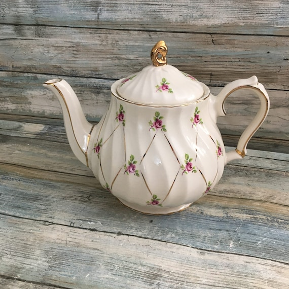 Vintage Sadler England teapot, vintage 1930's-1940's teapot vintage Rose Sadler England teapot,vintage fancy teapot, vintage pot
