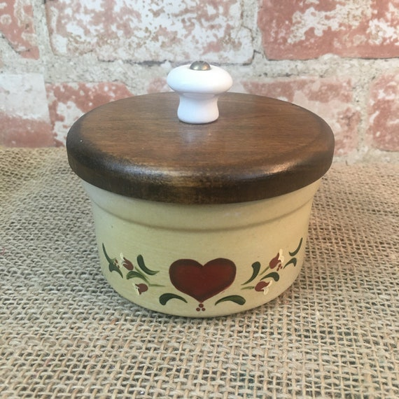 Vintage Roseville Pottery Crock with wood lid and porcelain handle has heart and ivy pattern, Roseville RRP heart and ivy pattern crock