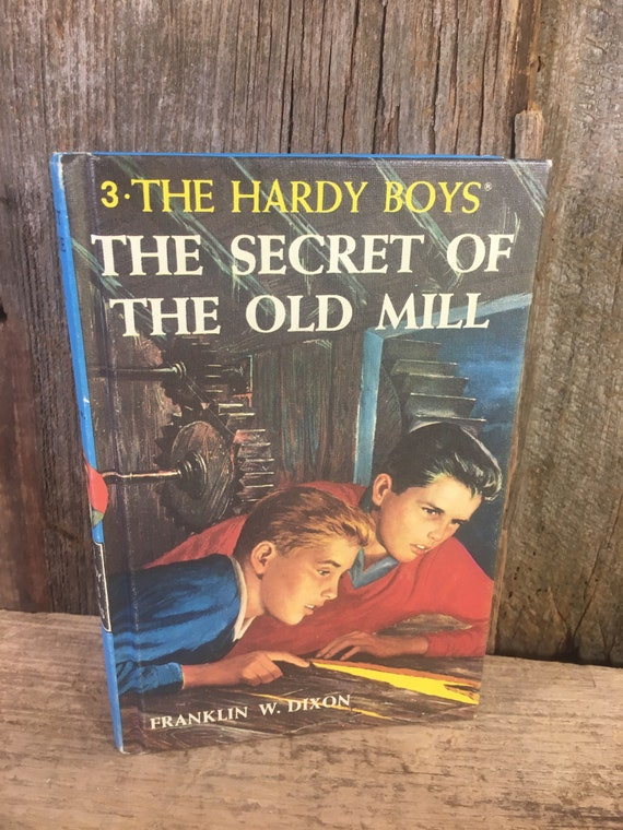Vintage Hardy Boys The Secret of the Old Mill, The Hardy Boys, hardcover Hardy Boys mystery series book 3 from 1985, Teenage reading books