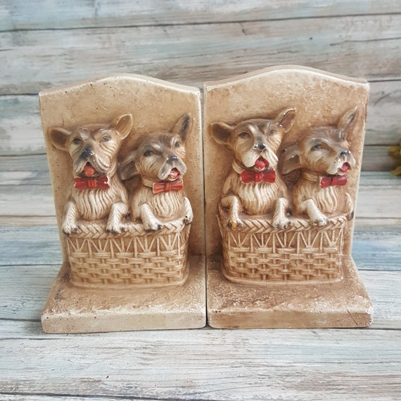 Super cute chalkware bookends, dogs in a basket chalkware bookends, dog bookends, puppy bookends, vintage dog bookends, vintage chalkware