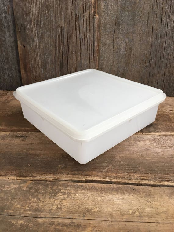 Vintage Tupperware meat and chees tray,  vintage white Tupperware, Tupperware deli tray, Tupperware 815-2, vintage kitchen containers