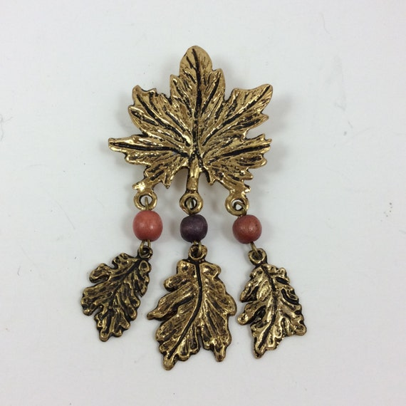 vintage costume jewelry, vintage brooch, vintage leaf pin, vintage jewelry, vintage accessories, leaf pin, leaf brooch, vintage pin, elegant