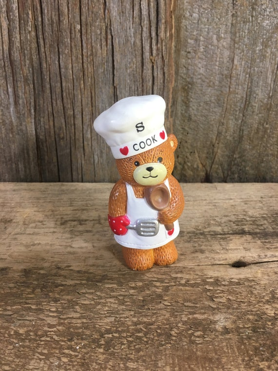 Vintage Lucy Rigg salt shaker, 187 Lucy Rigg figurine for the kitchen, Enesco bear, Lucy Rigg salt shaker replacement, bear salt shaker