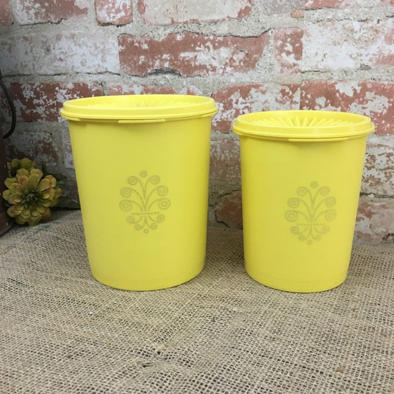Vintage Pair of Tupperware Golden Harvest Yellow canister, Tupperware  yellow canister, Tupperware Servalier canister 811-14 and 809-14
