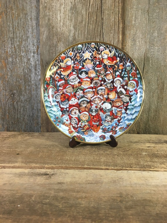 Vintage Santa Claws collectible plate by Bill Bell, cat plate, Christmas cat collectible, Franklin Mint collectible cat plate, feline plate