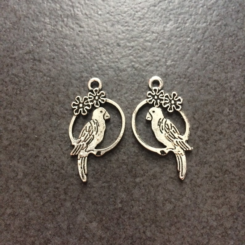 6 x Antique Silver Oval Birds Charms Pendants 29mm x 25mm