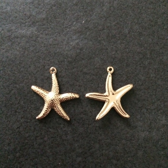 10 Metal Starfish Charms Dark Antique Bronze Colour 22mm