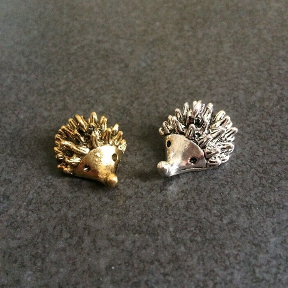 3 x Antique Silver 3D Hedgehog Charms Pendants 23mm x 12mm