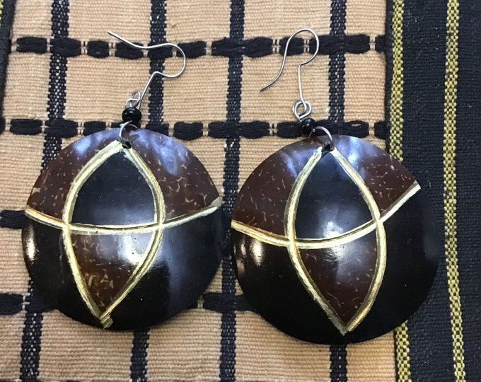 Medium Sized Coconut Shell African Earrings design