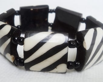 Zebra Pattern East African Bone Bead Stretchy Bracelet