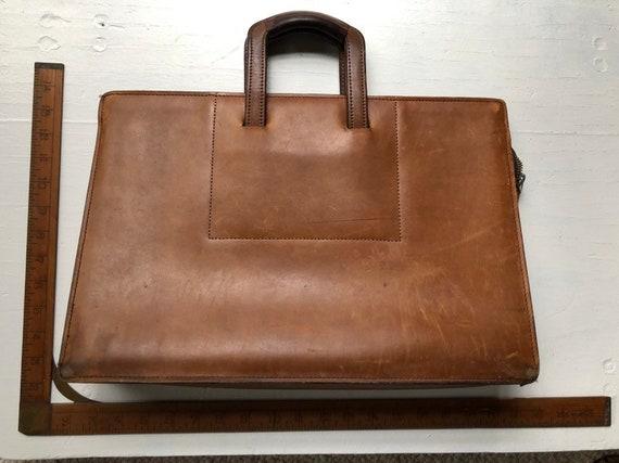 Vintage 1970s office suitcase distess leather cogn