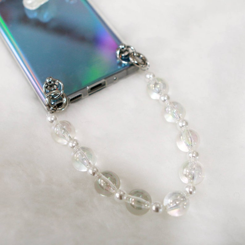 Bold Clear Beads with pearl case strap case chainAttaches to any TPU and Plastic cases