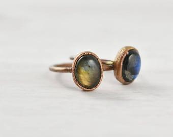 Labradorite Stone Ring, Oval Labradorite Ring, Labradorite Crystal Ring, Labradorite Stacking Ring, Labradorite Gemstone Ring, Flashy Ring