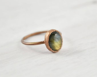 Green Labradorite Ring Copper Ring Stone, Green Stone Ring Girlfriend Birthday Gift, Dainty Crystal Ring, Natural Boho Electroformed Jewelry