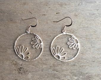 Silver earrings,Matte silver earrings,Flower earrings,Hoop flower earrings,Daisy earrings,Silver daisy earrings,Fashion earrings,Sunflowers.
