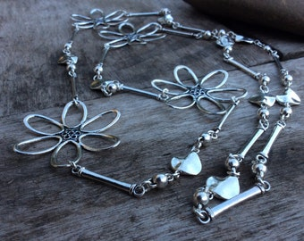 Silver Daisy Necklace, Daisy Chain Necklace, Large Daisy Flowers,Long Necklace,Flower Jewelry, Hippie, Silver Daisies,Womens Daisy Jewellery
