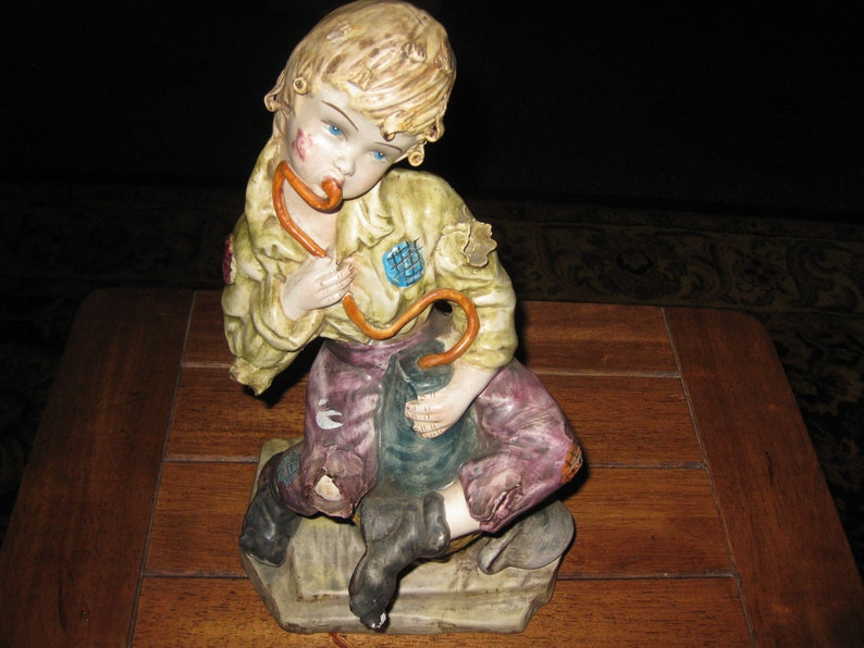 MADE IN ITALY Street Urchin Scugnizzo Vagabond Statue Sitting On Basket Drinking Water From A Pouch 11 12 Tall Base 4 12 x 7