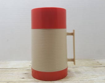 Aladdin Thermos Hy Lo Thermos, Red and white thermos 1970s