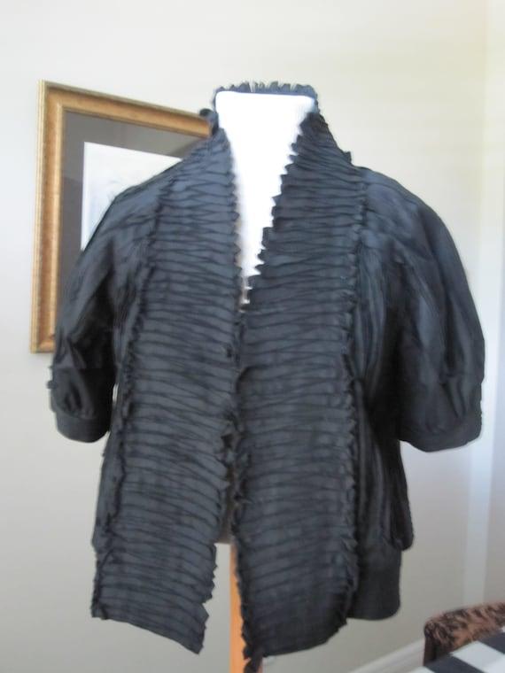 BLACK PIN TUCK Short Jacket