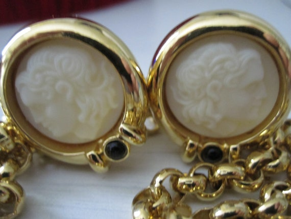 IVORY INTAGLIO NECKLACE /& Earrings