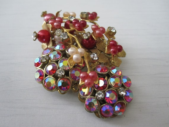 MIRIAM HASKELL? RED Beaded Brooch 1950s