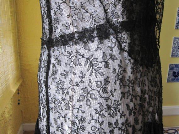 1930s BLACK LACE DRESS - image 8