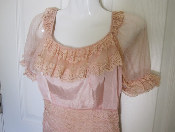 1930s LINGERIE Pale Pink Negligee