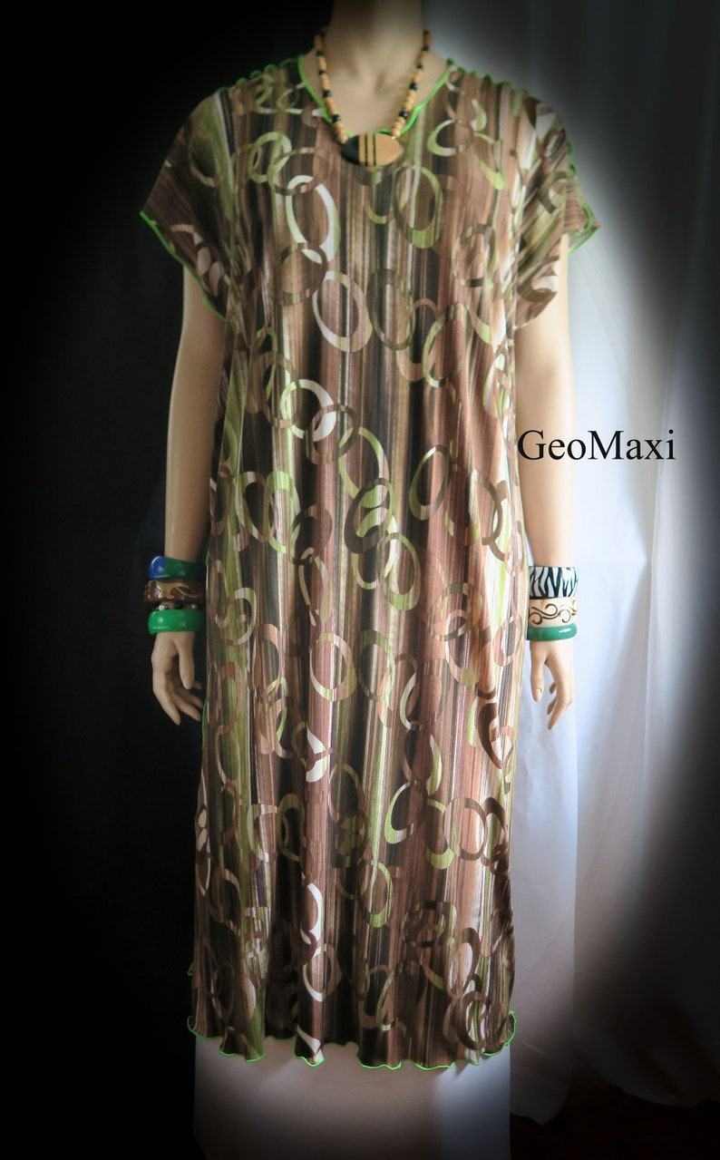 Geo Maxi Dress Women Fits L 1XL2XL-Plus size-Made in Hawaii-Comfortable,breathable /& beautiful Loose Long-Perfect for Travel