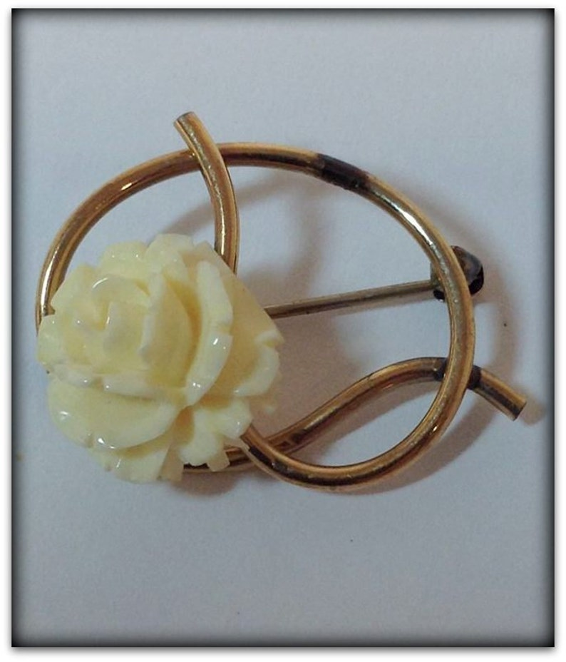 Vintage Gold Knot Pin with Flower Pin - Guy Franks Jewelry Hartford CT  Original Box