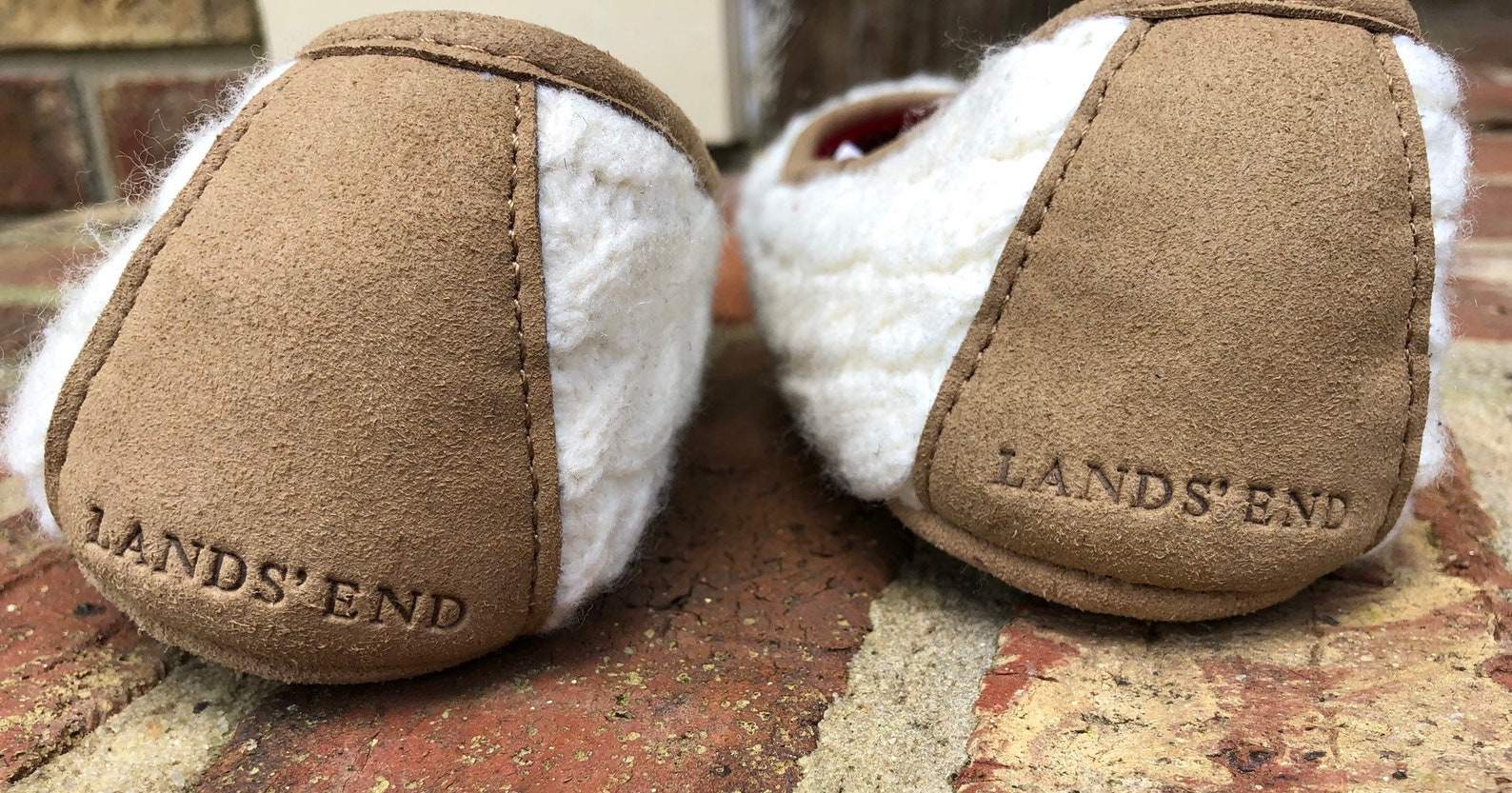 lands end women's ballet slippers medium white knit top slip resistant soles comfortable padded slippers excellent condition