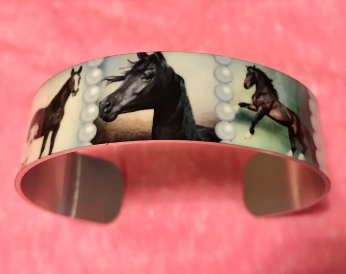 Beautiful aluminum  cuff bracelet with horses and pearl graphics