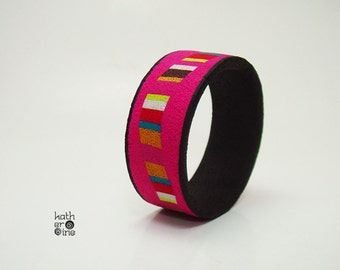 Colorful stripes bracelet, Polymer clay bangle, Statement jewelry, Fuchsia black bangle, Stripes round bracelet, Gift for her, Handmade