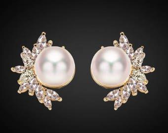 Pair Gold Pearl Floral Earrings - Pearl Gauges - Bridesmaid Gift - Pearl Plugs - Wedding Gauges - Wedding Plugs - Wedding Jewelry